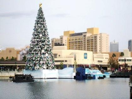 USJのクリスマスツリー ホテルユニバーサルポート
