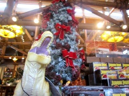 ジュラシック・アウトフィッターズ USJのクリスマス風景