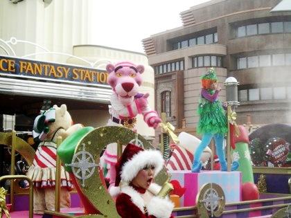 ピンクパンサー USJのクリスマス風景