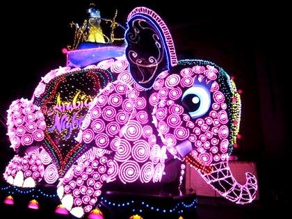 マジカル・スターライト・パレード アラビアン・ナイトのエレファント 象