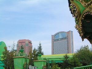 ランド・オブ・オズから見えるUSJオフィシャルホテル